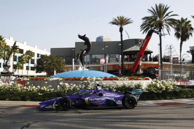 Romain Grosjean gerava entretenimento de novo em Long Beach