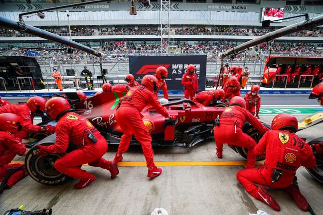 Charles Leclerc terminou o GP da Rússia na 15ª posição