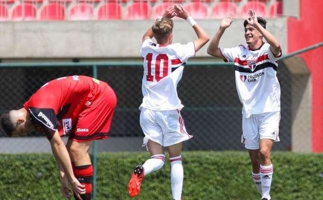São Paulo goleou o Ituano no Sub-15 e no Sub-17 (Foto: Anderson Rodrigues/Saopaulofc.net)