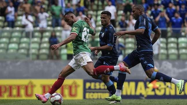 Foi mais uma jornada de futebol ruim da Raposa diante do CSA, que ainda sonha com o acesso-(Gustavo Aleixo/Cruzeiro)
