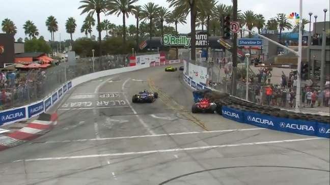 Marcus Ericsson bateu sozinho
