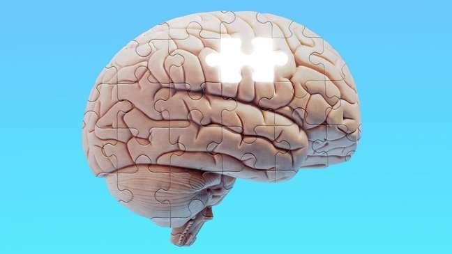 Pessoas com Alzheimer geralmente perdem objetos, mas são incapazes de refazer seus passos para encontrá-los