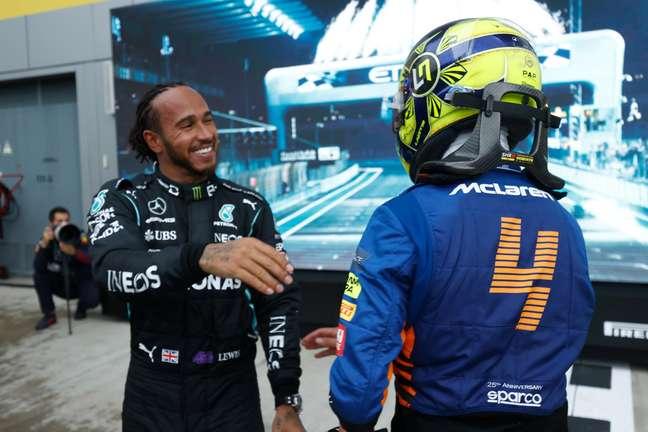 Hamilton e Norris após a corrida.