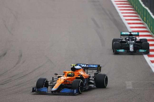 Norris e Hamilton no GP da Rússia.