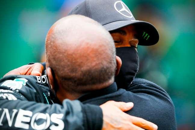 Lewis Hamilton demonstrou gratidão ao pai, Anthony Hamilton, o primeiro incentivador da carreira