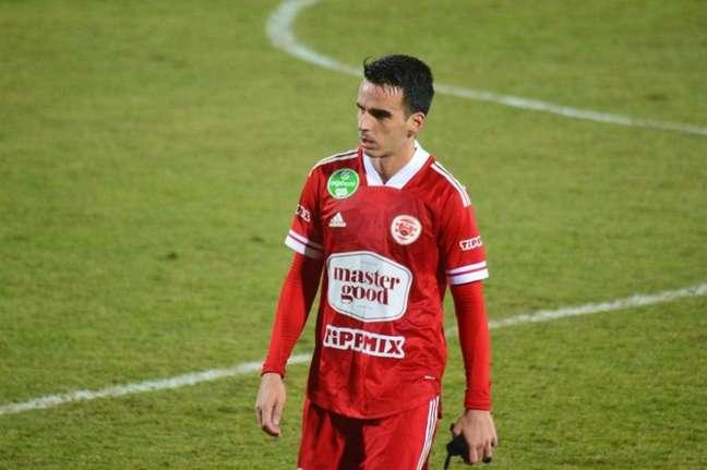 Matheus Leoni é destaque na Hungria (Foto: Divulgação / Kisvarda)