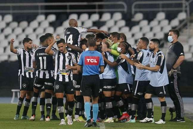 Time do Botafogo comemora (Foto: Vítor Silva/Botafogo)