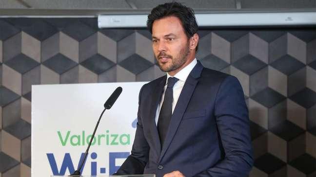 Fábio Faria, ministro à frente do Ministério das Comunicações e do programa Wi-Fi Brasil