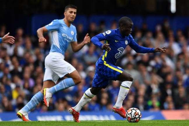Torneio de pré-temporada está sendo cogitado por clubes da Premier League (BEN STANSALL / AFP)