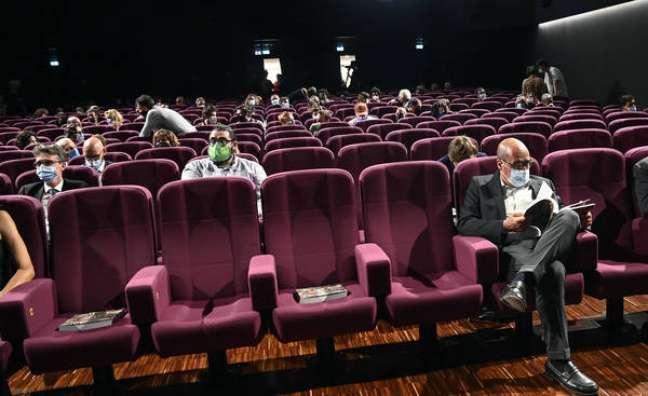 Inauguração de cinema em Roma, na Itália