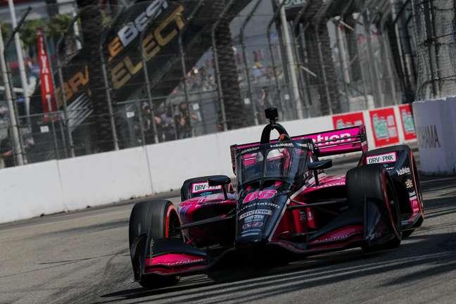 Helio Castroneves fechou a temporada com 20º lugar em Long Beach