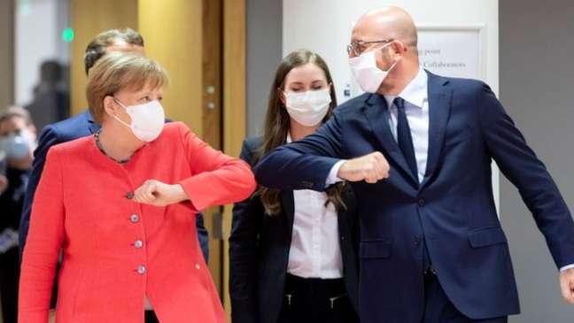 A pandemia de Covid-19 foi o último grande desafio de Merkel no poder e abalou sua popularidade