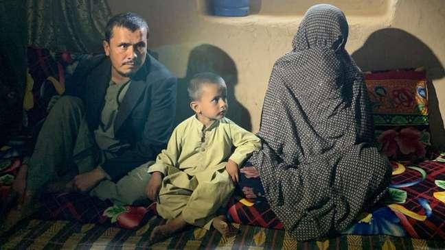 Goljuma (à direita) elogiou o Talebã e disse: 'Mulheres como eu não são como as mulheres de Cabul'