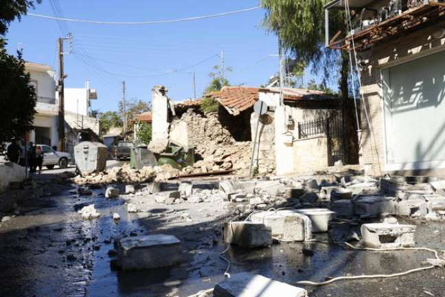 Terremoto causou graves danos na ilha grega