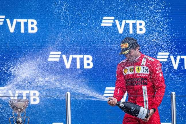 Carlos Sainz chegou até a liderar o GP da Rússia