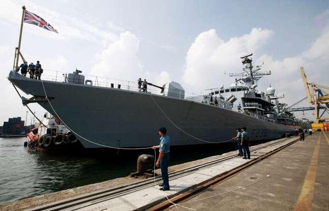 Navio de guerra britânico HMS Richmond durante visita a Jacarta, na Indonésia, em 2011 22/05/2011 REUTERS/Supri