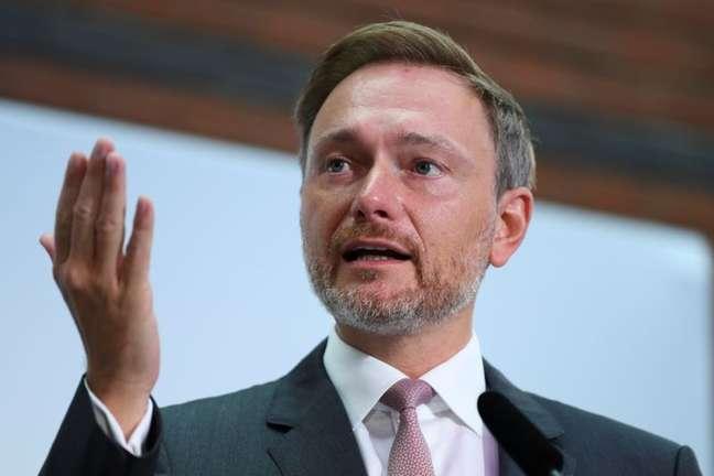 Líder do Partido Liberal Democrático da Alemanha, Christian Lindner, durante entrevista coletiva em Berlim 27/09/2021 REUTERS/Annegret Hilse