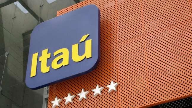 Fachada do banco Itaú