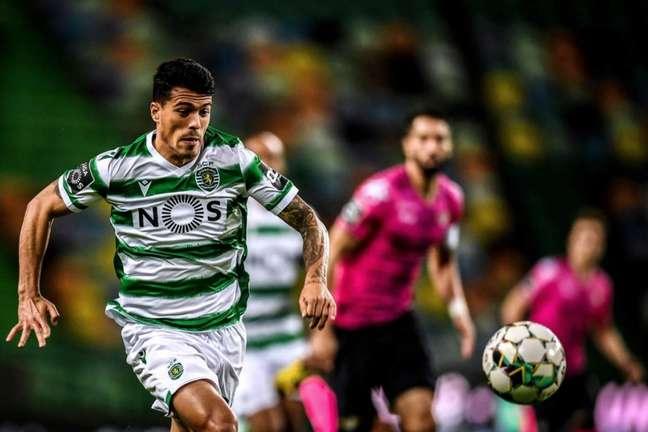 Pedro Porro está em seu segundo ano com a camisa do Sporting (Foto: PATRICIA DE MELO MOREIRA / AFP)