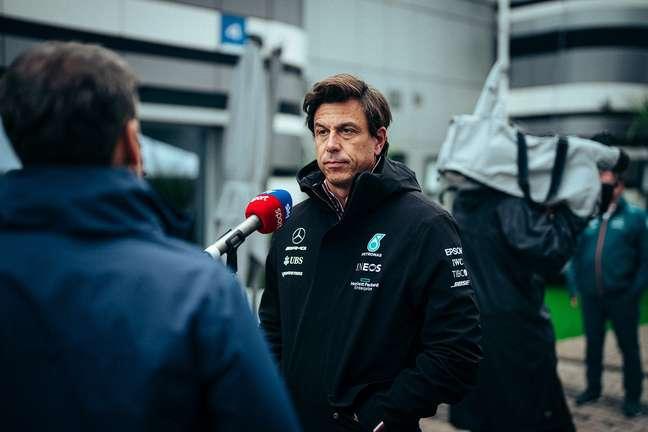 Toto Wolff acusou o golpe com a reação inesperada de Verstappen na Rússia