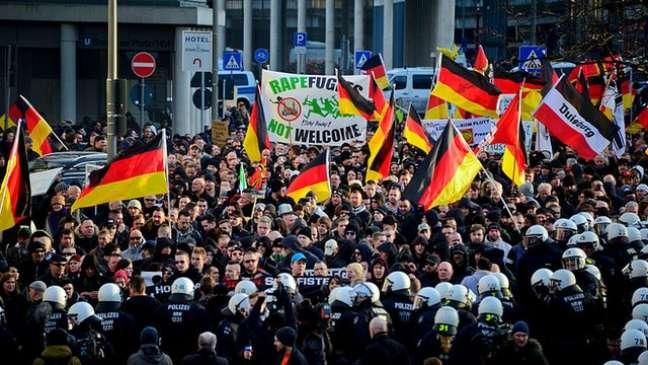Após ataques sexuais no último dia de 2015, muitos protestaram contra imigrantes na Alemanha