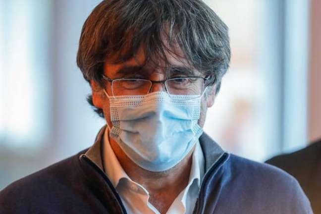 Puigdemont voltou para Bruxelas, mas disse que irá à audiência na Sardenha