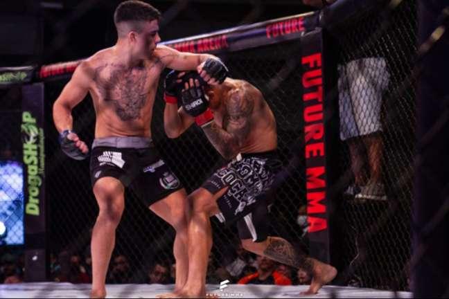 Rodrigo Roldan venceu na decisão dos juízes na última sexta-feira pelo Future MMA 13 (Foto: Vic Bueno)