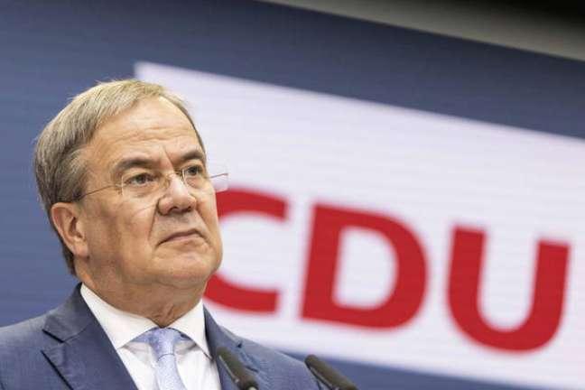 Laschet disse que 'não exclui' nenhuma possibilidade de formação de governo