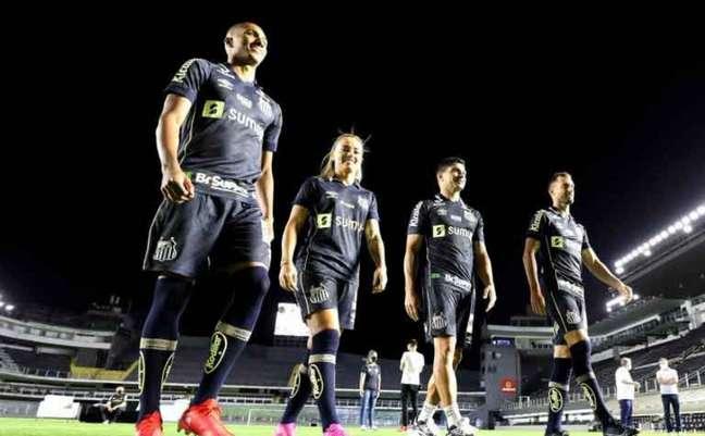 Santos lançou o novo uniforme número três (Foto: Pedro Ernesto Guerra Azevedo / Santos FC)