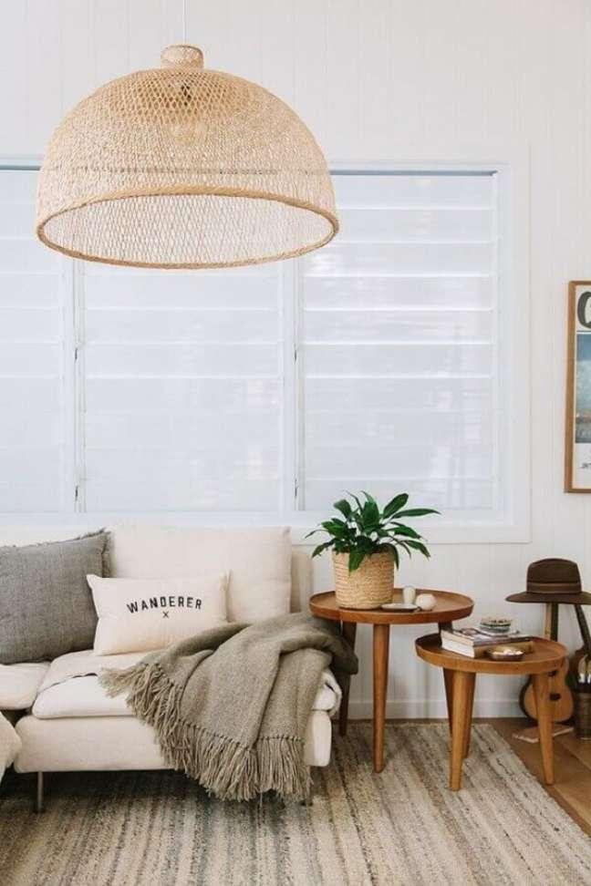 24. Lustre rustico para decoração de sala com plantas – Foto: The Zoe Report