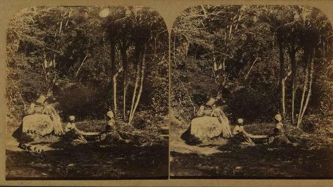 Foto de Revert Henry Klumb retrata lavadeiras na Tijuca por volta de 1860