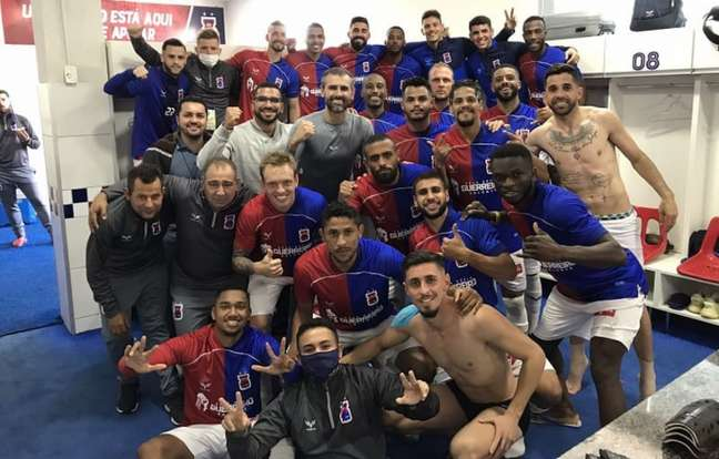 Paraná fechou a temporada rebaixado para a Série D (Divulgação/Paraná Clube)