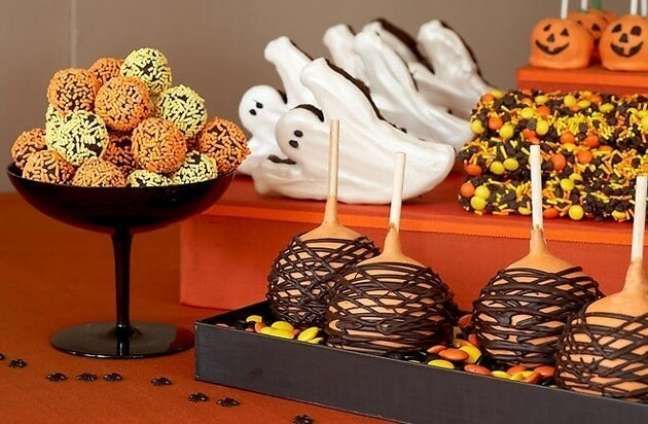 47. Doces personalizados para halloween – Por: Toda Atual