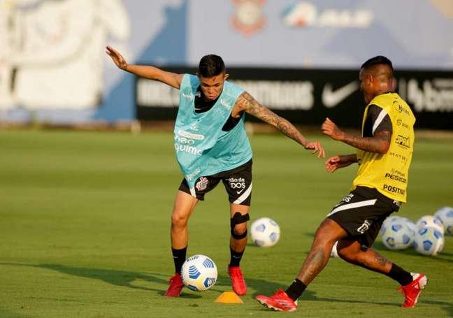 Adson está apto para voltar a campo pelo Corinthians (Foto: Rodrigo Coca/Ag.Corinthians)