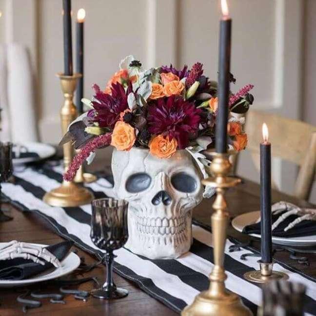 16. Decoração de mesa para festa de halloween – Por: Decotherapy