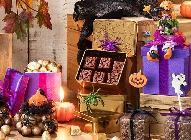 40. A festa de halloween fica ainda melhor com muitos doces personalizados – Por: Chocolat du Jour