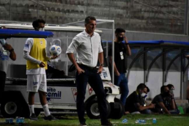 Mancini ficou satisfeito com o desempenho do Coelho diante de três gigantes do futebol brasileiro-(Mourão Panda/América-MG)