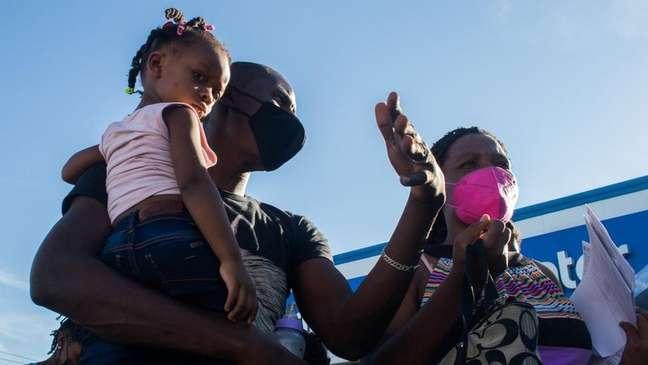 Del Rio ficou conhecida devido à chegada em massa de migrantes cruzando a fronteira através do rio Grande