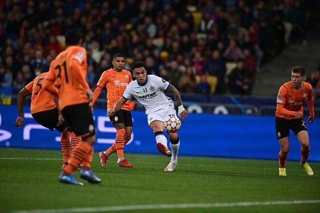 Internazionale não conseguiu converter as chances criadas e ficou somente no empate contra o Shakhtar Donetsk.