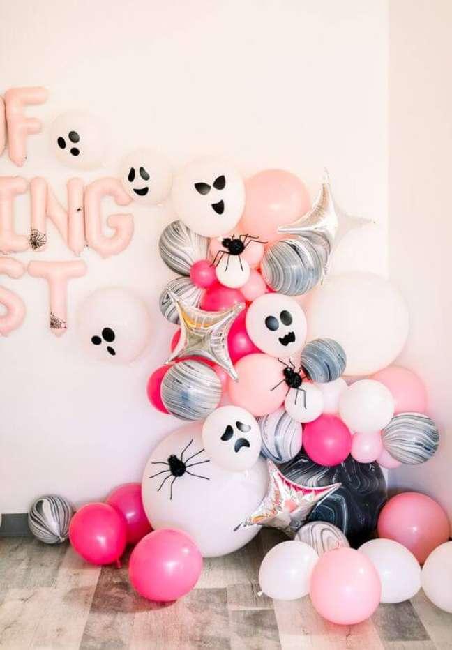51. Balões personalizados para festa de halloween – Por: Piroutt Paper