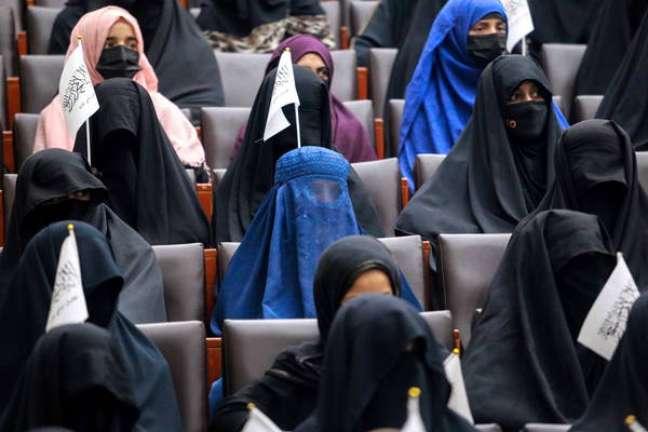 Mulheres só poderão frequentar universidade quando houver 'ambiente islâmico'