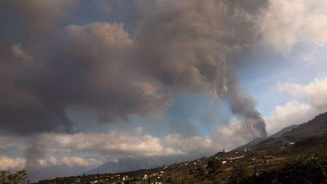 A erupção pode durar vários meses, segundo autoridades