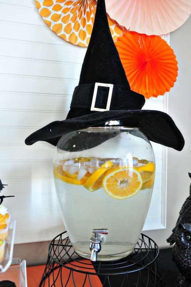 22. O chapéu de bruxa é uma das melhores escolhas para o Halloween – Por: Catch My Party