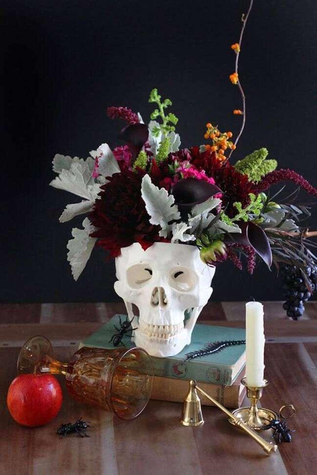 32. Comemore o halloween com uma decoração criativa! – Por: Ideias Casa