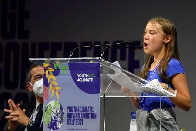 Ativista sueca Greta Thunberg discursa durante conferência sobre o clima em Milão 28/09/2021 REUTERS/Flavio Lo Scalzo