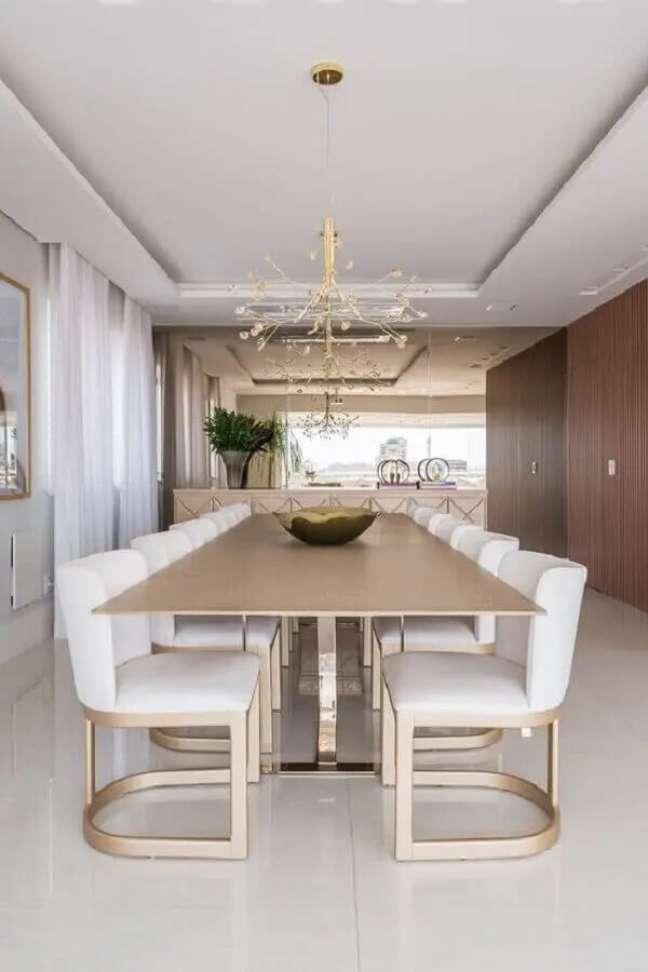 9. Dê preferência por modelos confortáveis de cadeiras para mesa de jantar. Fonte: Casa de Valentina