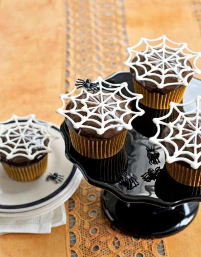 21. O cupcake de Halloween é uma ótima opção para ter opções de doces deliciosas – Por: Topito