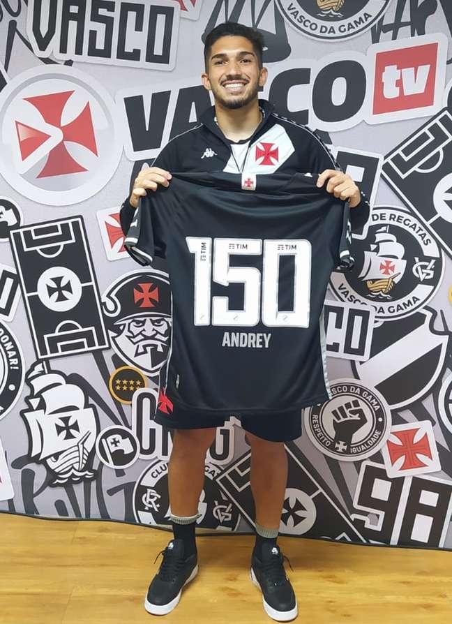 Volante Andrey completou 150 jogos pelo Vasco.