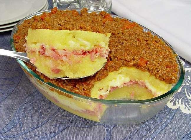 Guia da Cozinha - Polenta de travessa com presunto e queijo