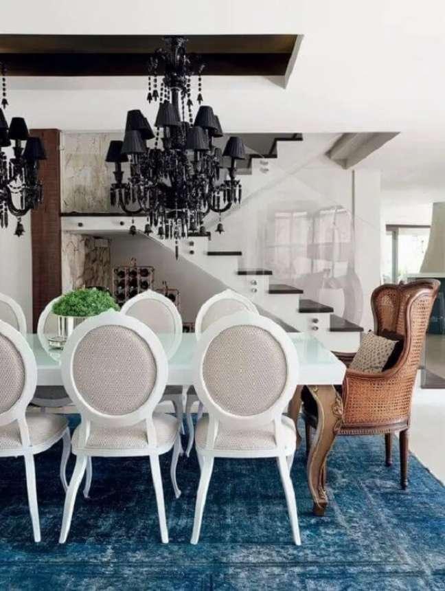 13. Poltrona para mesa de jantar. Fonte: Casa Vogue